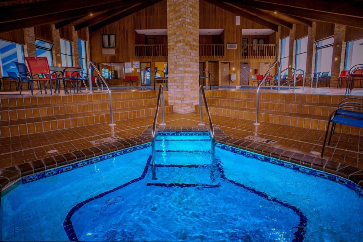 Indoor whirlpool B – Wisconsin Association of Campground Owners