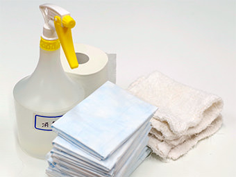 ペットシーツ・トイレットペーパー・消毒スプレー・雑巾