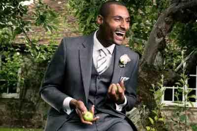 Mid grey Short Apple juggling