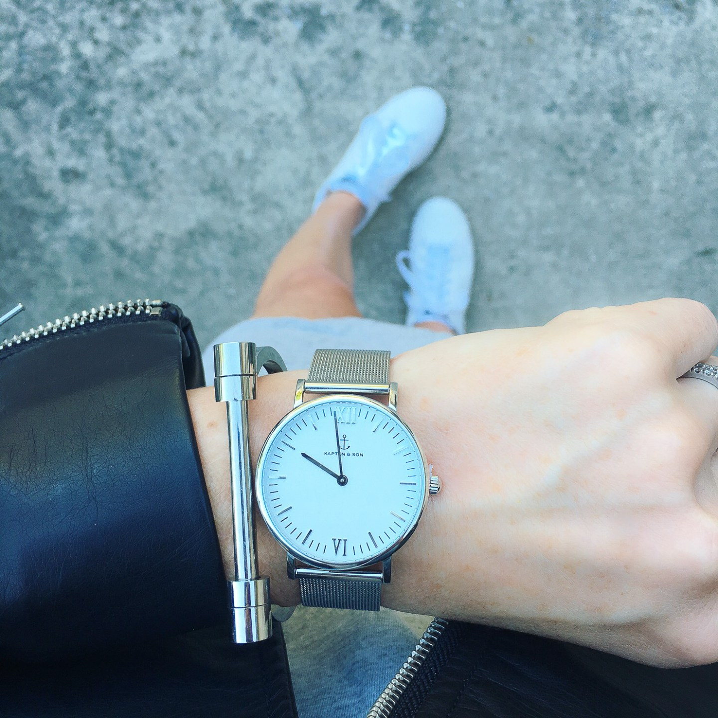 kapten-and-son-silver-strap-watch-how-to-wear-the-athleisure-trend