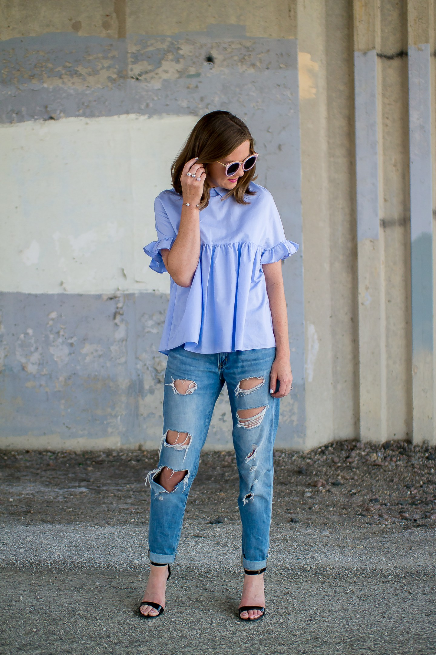 zara-blue--ruffle-sleeve-ties-back-top-distressed-boyfriend-jeans-pink-sunglasses-pearl-2-finger-ring-happiness-boutique-marble-bracelet