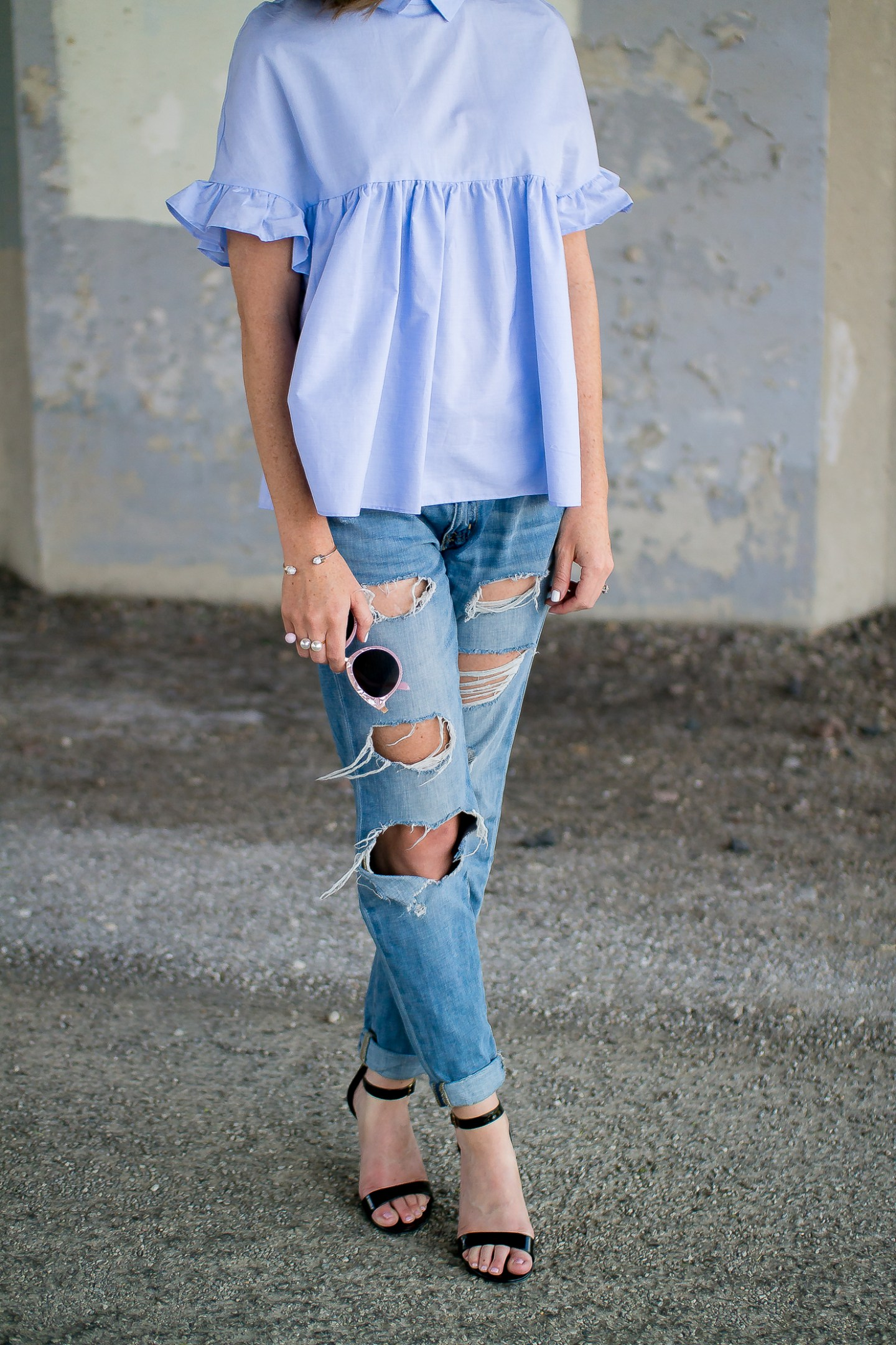 zara-blue--ruffle-sleeve-ties-back-top-distressed-boyfriend-jeans-pink-sunglasses-pearl-2-finger-ring-happiness-boutique-marble-bracelet-21