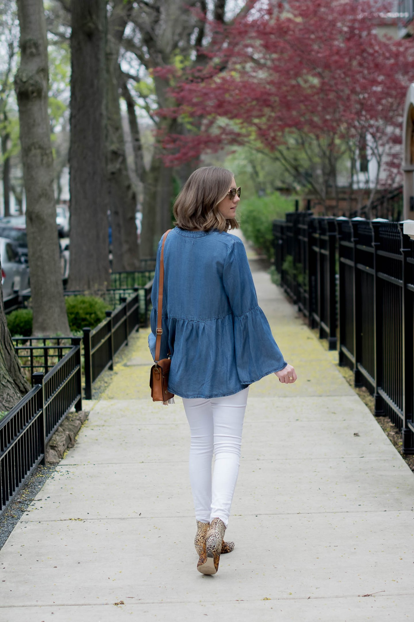 transitioning-white-jeans-for-fall-hm-denim-bell-sleeve-top-matisse-leopard-booties-metallic-bag-tassel-charms-11