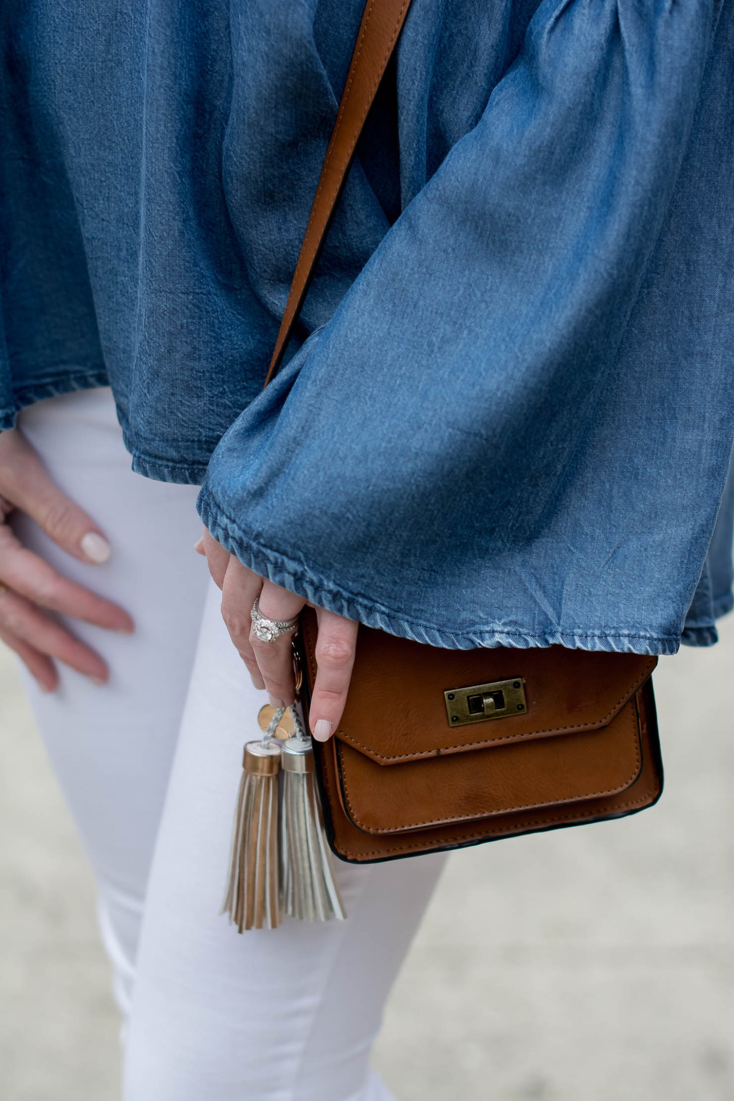 transitioning-white-jeans-for-fall-hm-denim-bell-sleeve-top-matisse-leopard-booties-metallic-bag-tassel-charms-8