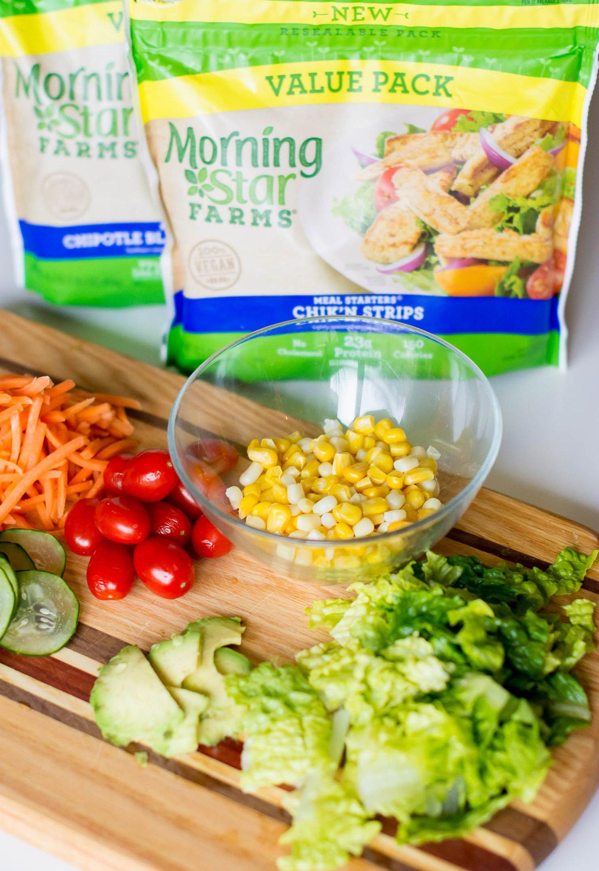 morning-star-chikn-strps-and-black-bean-crumbles-diy-mason-jar-salad-meatless-lunch
