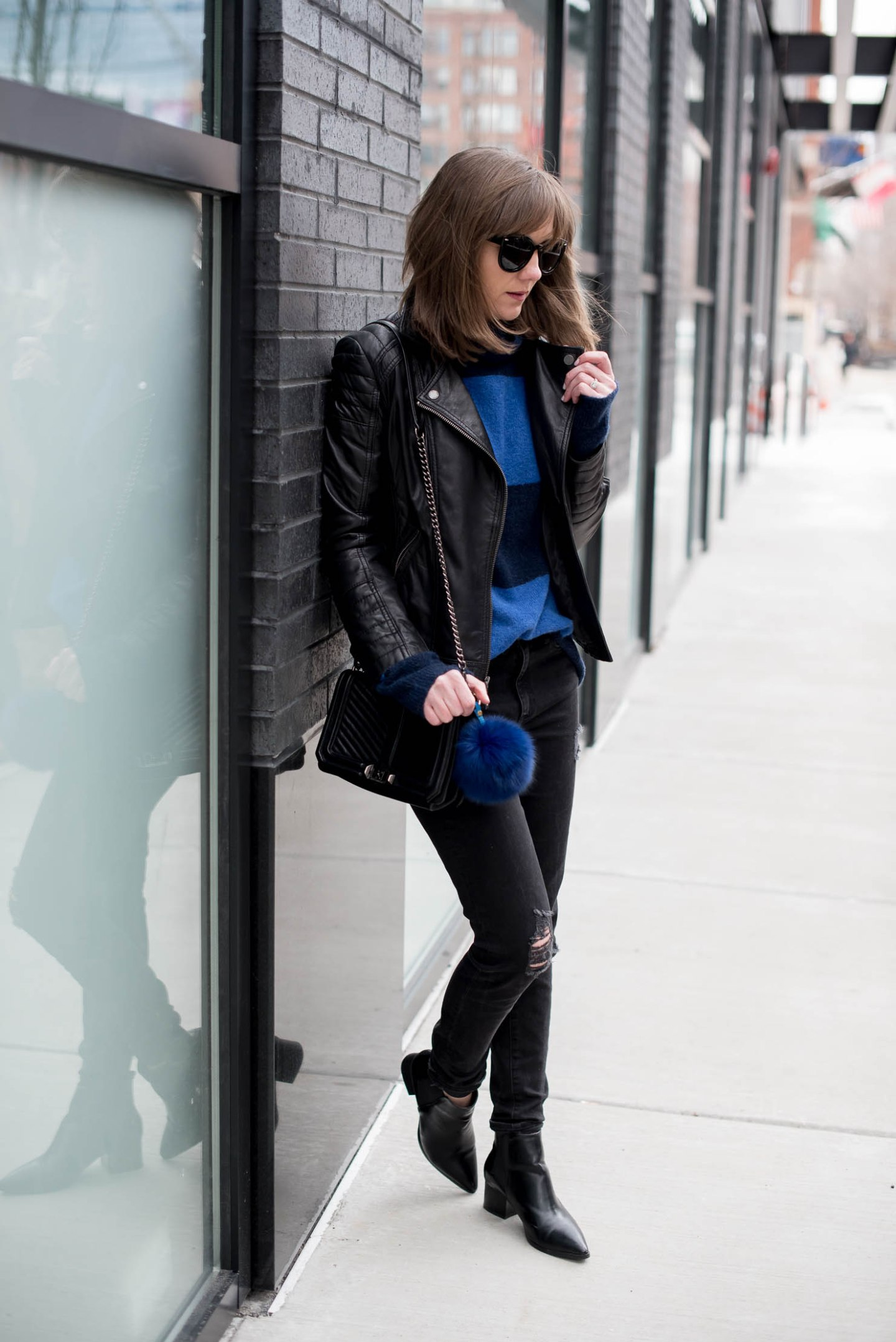 cozy-spring-outfit-blue-and-black-look-styling-th-classic-moto-jacket