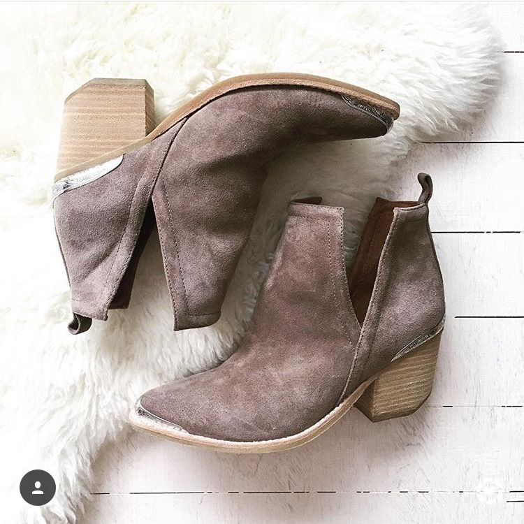 fall-fashion-jeffery-campbell-cromwel-bootie-life-lately-instagram-behind-the-scenes-falling-for-fall-fall-sales