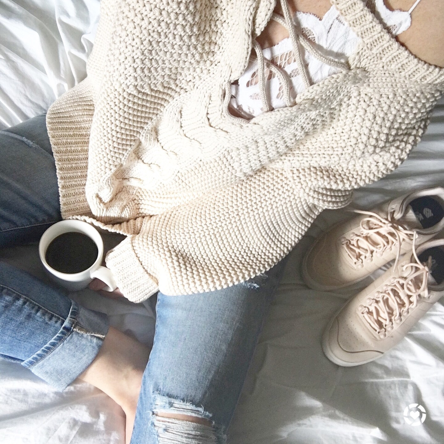 fall-fashion-sweater-weather-life-lately-instagram-behind-the-scenes-falling-for-fall-fall-sales