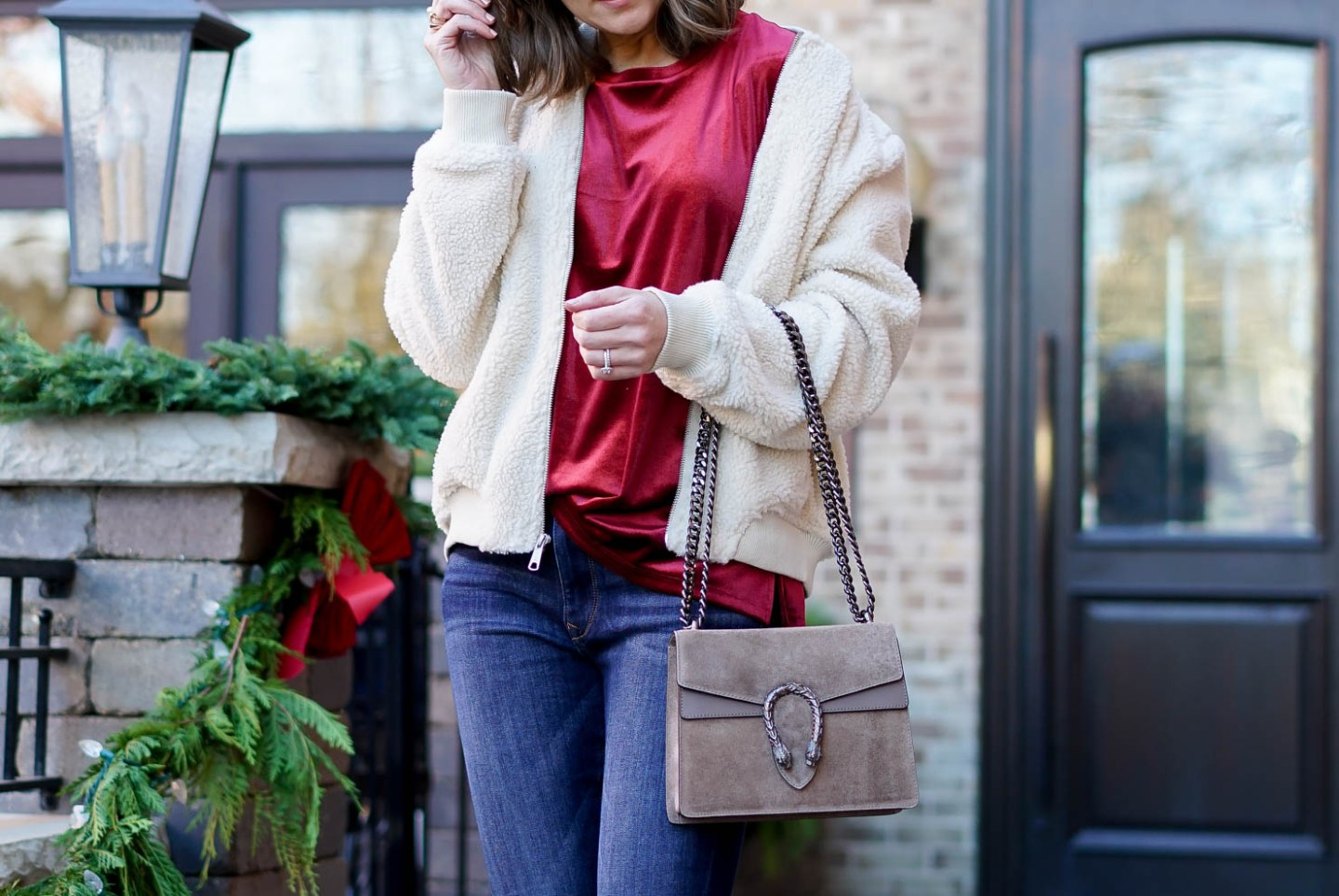 casual velvet outfit, old navy velvet tee, old navy shearling bomber jacket, how to incorporate velvet into your wardrobe, the perfectly draped velvet tee