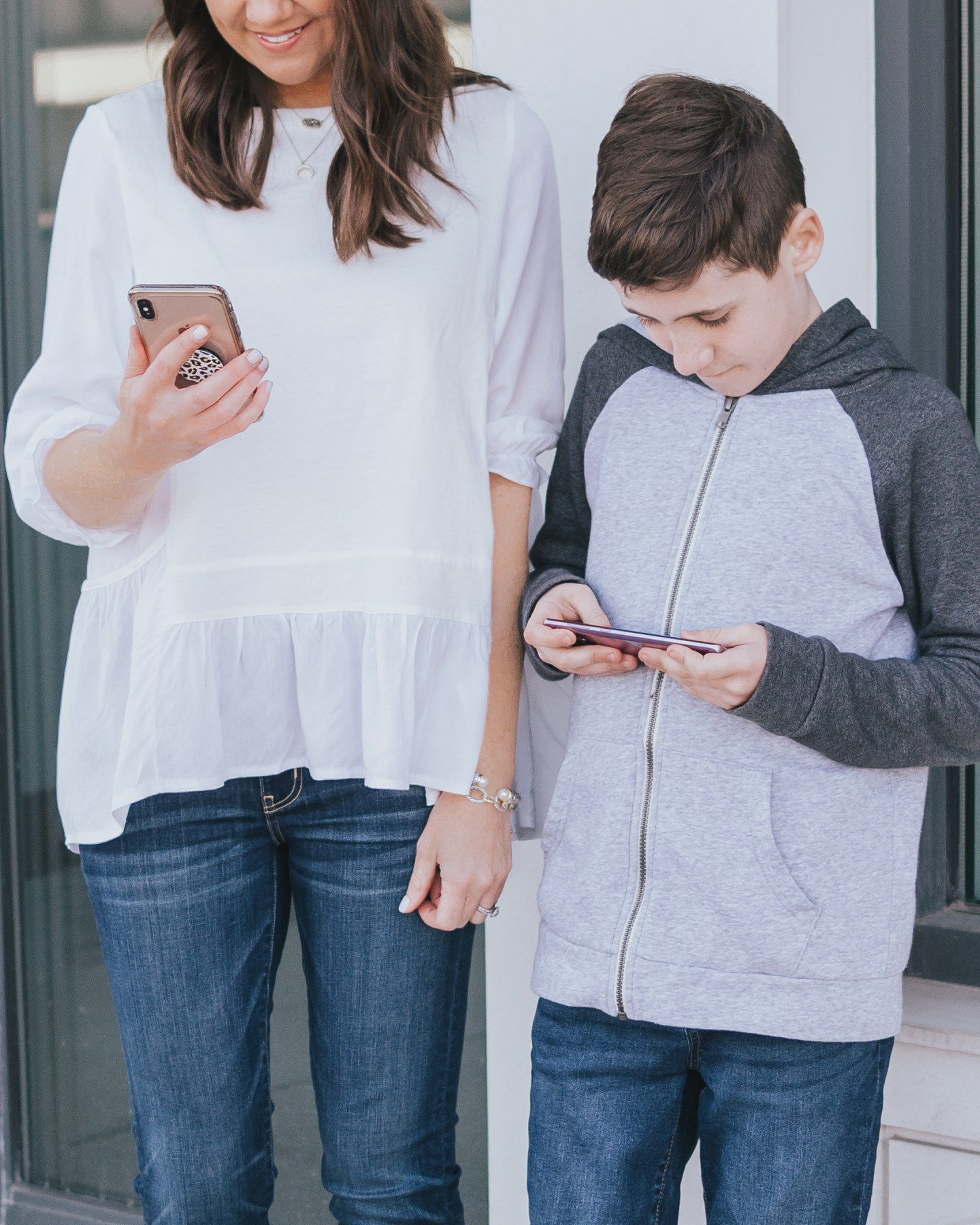 Trademore, how to choose a phone for your child, boho outfit, where to find the best preowned devices