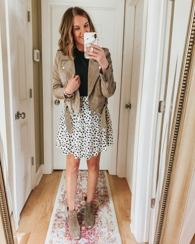 styling the Amazon mini skirt for fall, tiered skirt, graphic tee, bodysuit, booties, leather jacket, spotted skirt