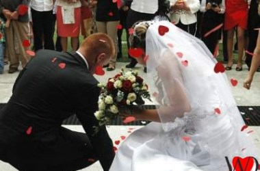 Happy Wedding Anniversary Wishes For Brother To Make Her Cry