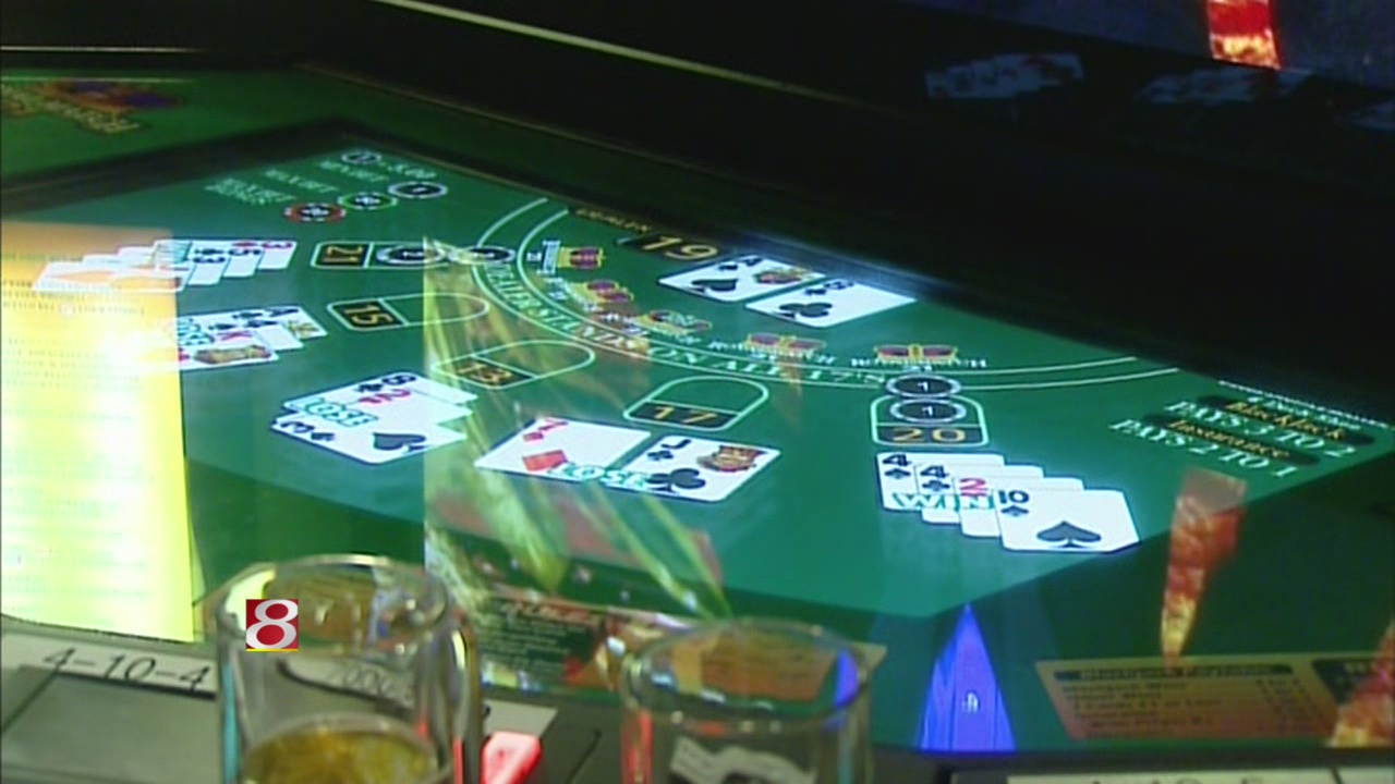 Indiana House votes in favor of live dealers at racinos