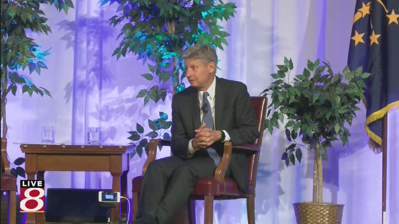 Mitch Daniels plays host to Gary Johnson, seeks to include him in debates