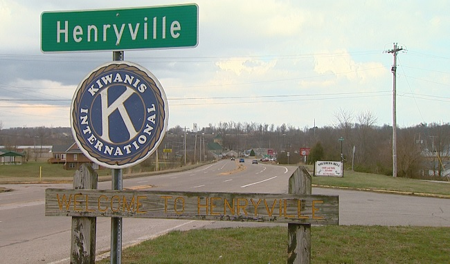 Welcome to Henryville sign_591584