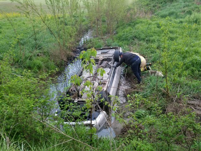Sullivan woman rescued after 8 hours trapped in crashed car_625924