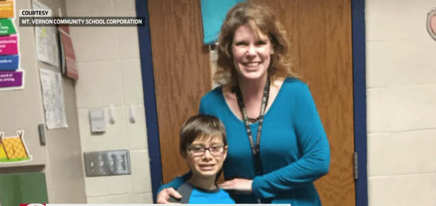 Teacher saves student's life_630180