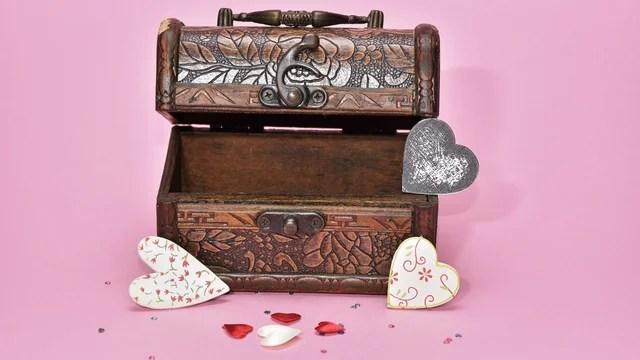 treasure-hunt-valentines-day-gift_1517261660650_337717_ver1-0_32896335_ver1-0_640_360_811743