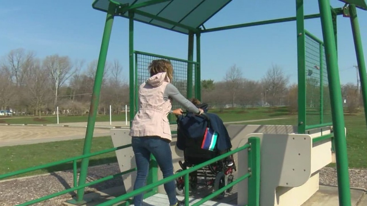 Wheelchair_friendly_playgrounds_1_20180412224444