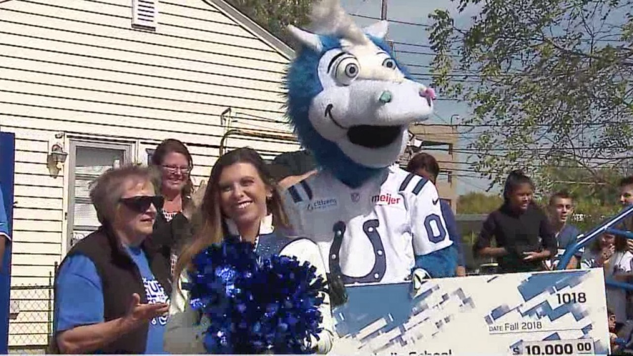 Colts give back to Beech Grove Schools