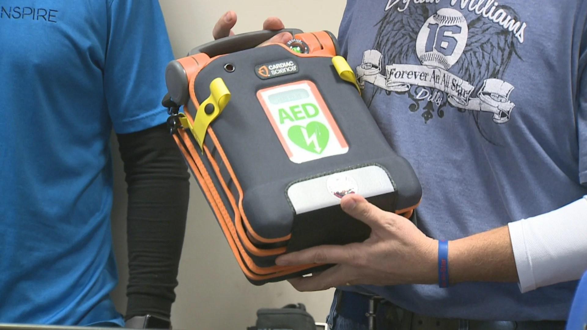 Brownsburg police get automated external defibrillator