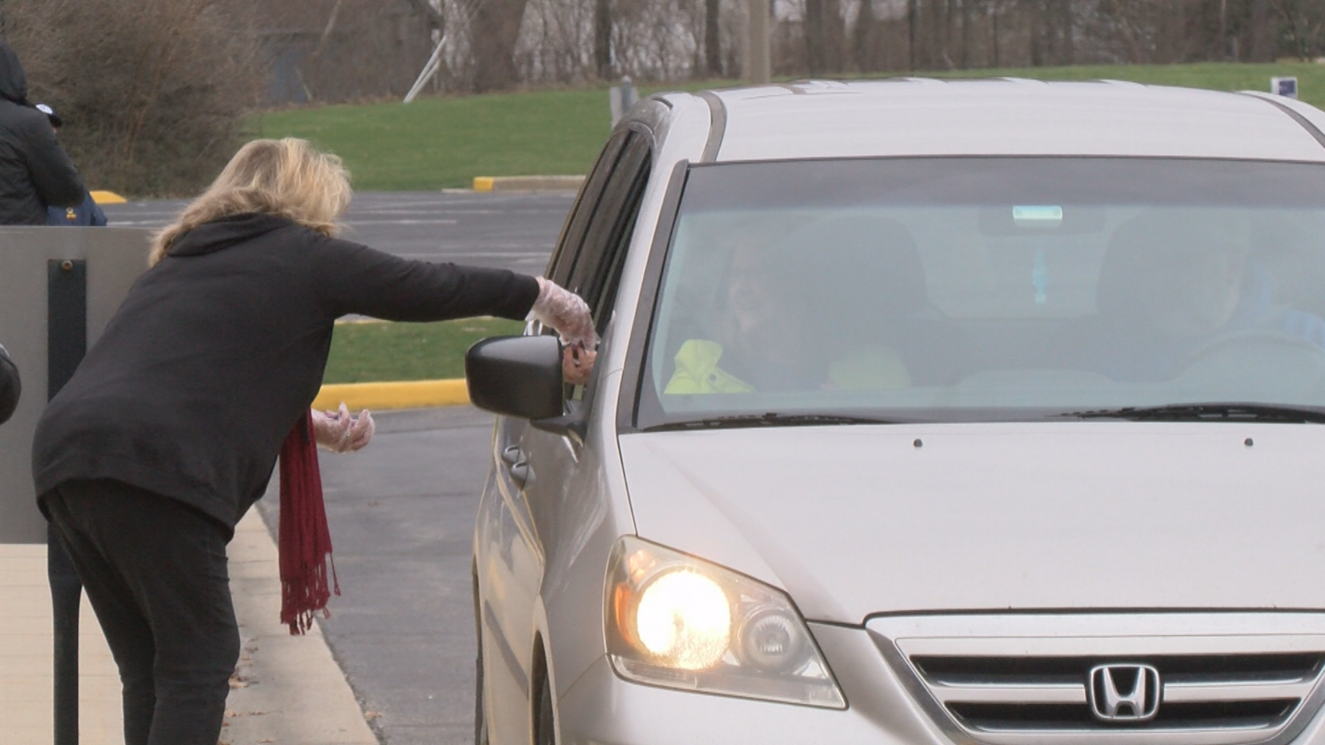 Indy Gas Prices >> Indy church hosts drive-thru communion amid coronavirus threat - WISH-TV | Indianapolis News ...