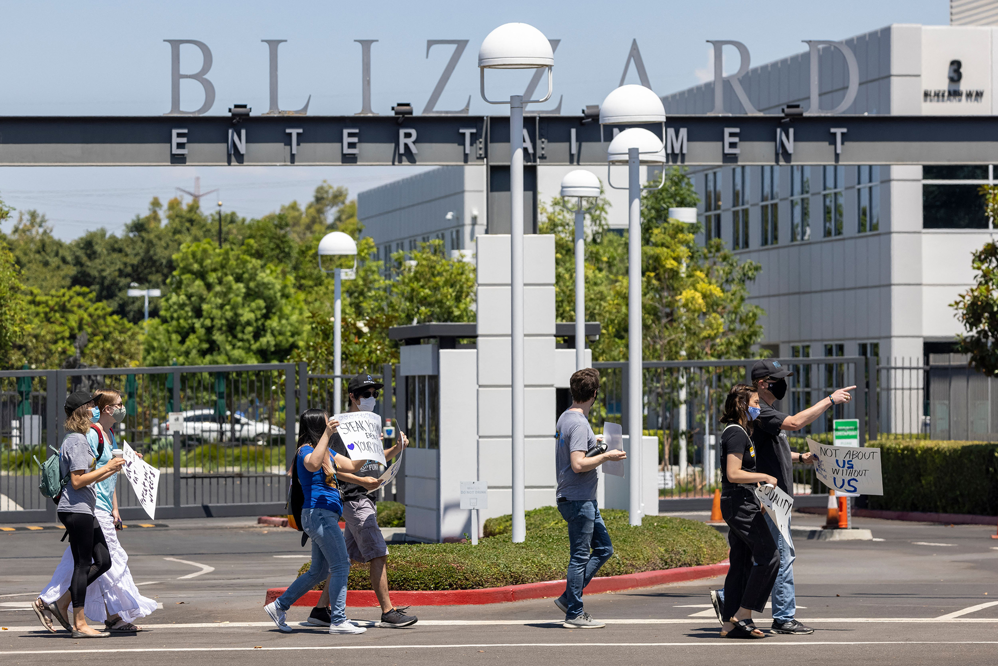 Activision Blizzard employees accuse company of unfair labor practices - WISH-TV