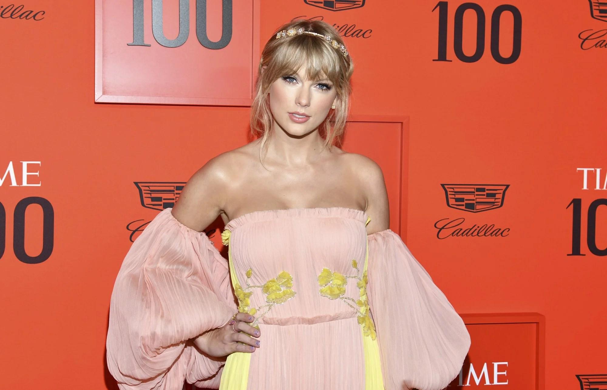 Taylor Swift_1556290199318.jpeg.jpg