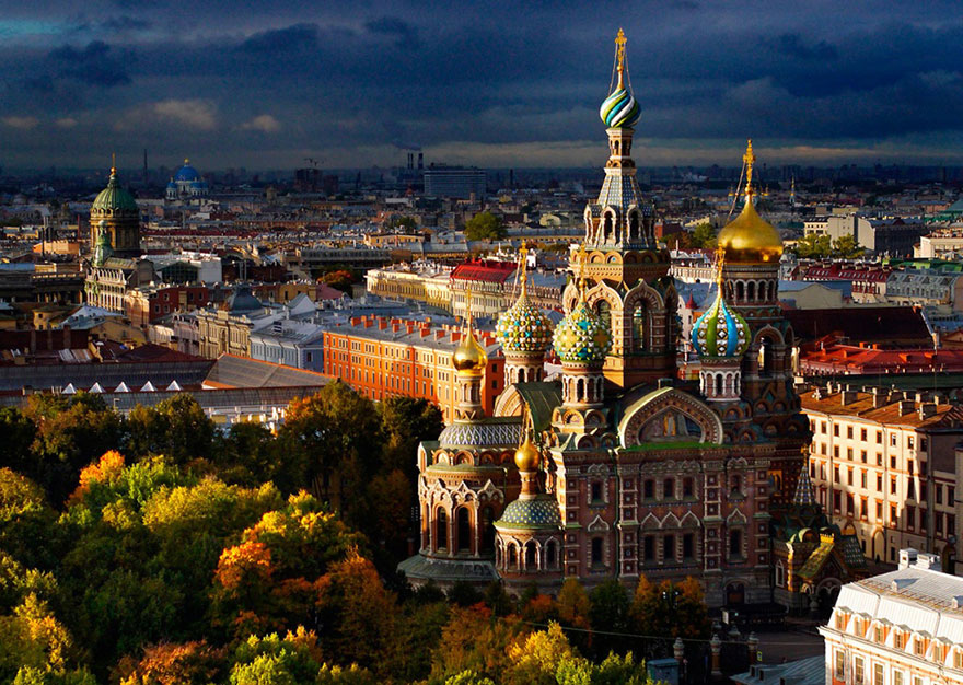 Cathédrale Saint-Sauveur-sur-le-Sang-Versé (Saint-Pétersbourg) Photo : Amos Chapple