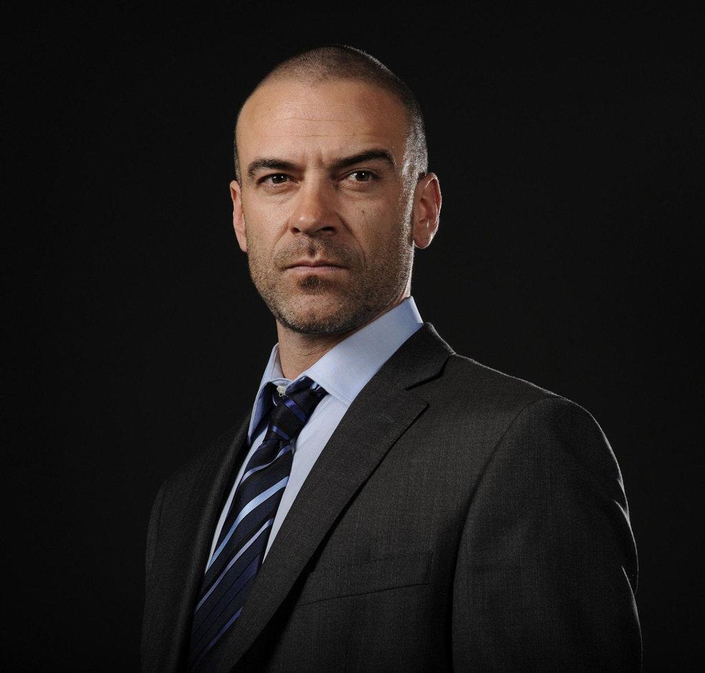 'Shadowhunters' casts 'Reign' alum, Alan Van Sprang as ...