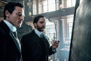 alienist s1e4 moore and kreizler