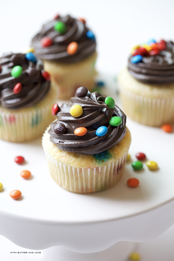 Yellow M&M Cupcakes & Dark Chocolate Fudge Frosting ...