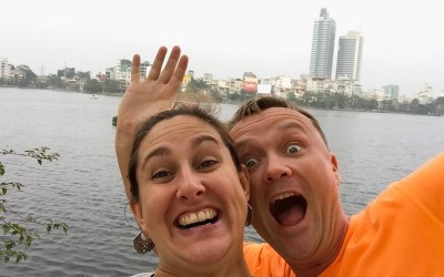 With Husband In Tow S01E01: Why We Left the US to Travel
