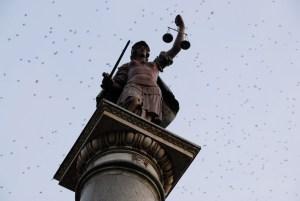 Colonna della Giustizia - Piazza Santa Trinitè - Via Tournabouni