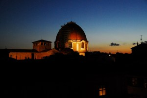 San Lorenzo - night