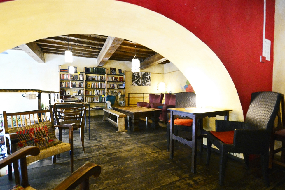 La Cité: books, music, coffee and wine in the heart of San Frediano