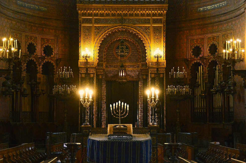 The synagogue of Florence, example of Jewish architecture for worship