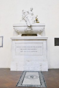 Basilica Santa Croce, Florence - Niccolò Machiaveli's grave