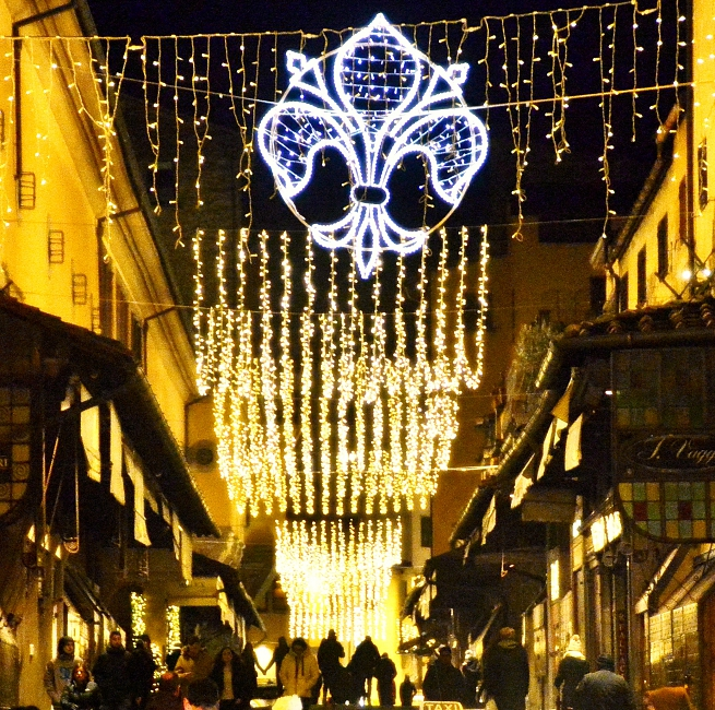 Winter flâneurism, wandering the streets of Florence at Christmas time