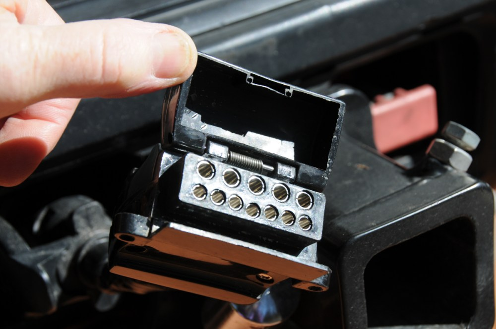 medium resolution of that means there s a lot riding on that 12 pin plug you might have somewhere on your drawbar with a similar connector at the rear of your tow vehicle
