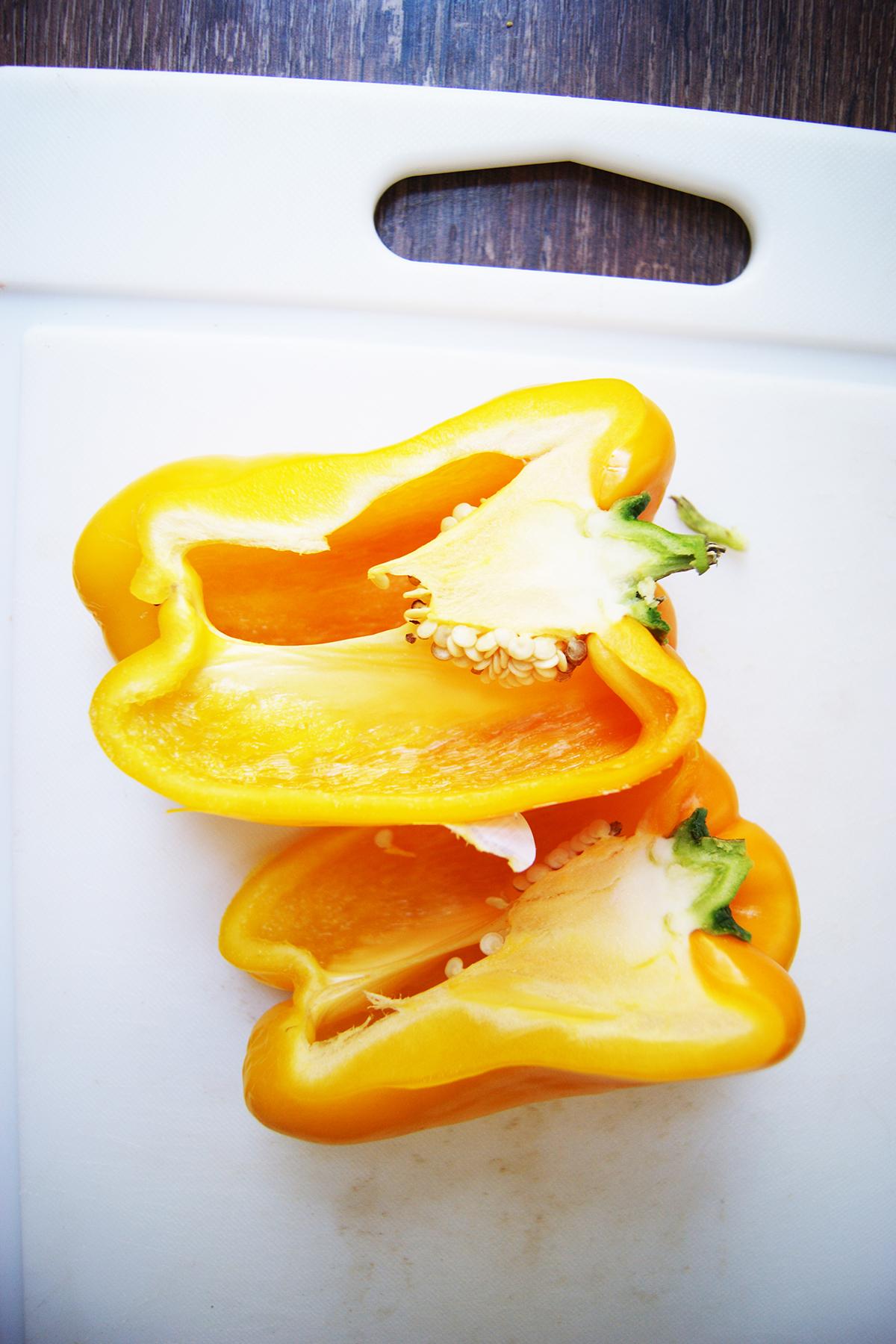 Avocado & yellow pepper Hummus recipe