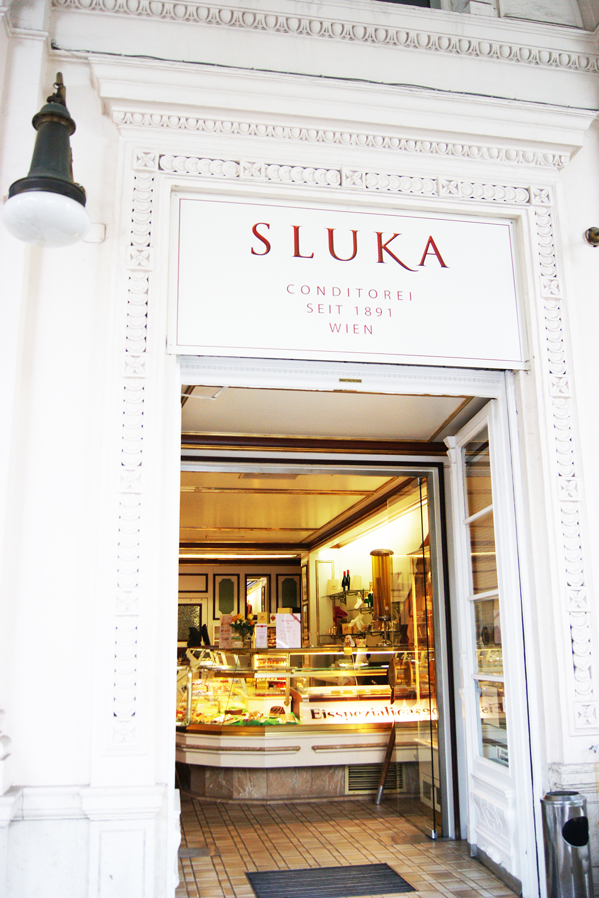 Sluka pastries and cafe in Vienna