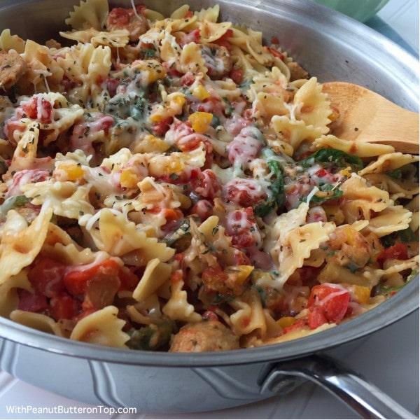 Cheesy Chicken Sausage Pasta | www.withpeanutbutterontop.com