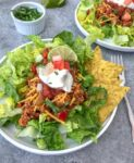 Skinny Taco Salad - try this recipe if you're looking for a low-carb, HEALTHIER taco salad option! Made with lean ground turkey, tomato sauce, salsa, and a delicious blend of seasonings! Full of flavor, perfect for #mealprep, and guaranteed to become a favorite of yours! #salads #mealprepsalad #easyrecipes | https://withpeanutbutterontop.com