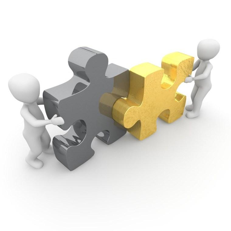 التعاون على العمل مع فريق