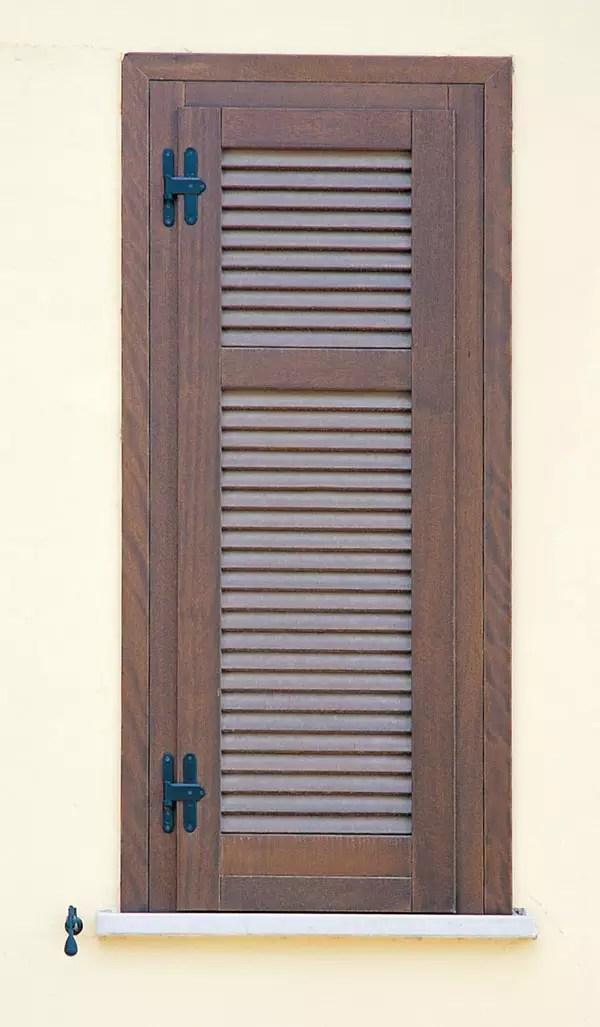 Nardonelegno serramenti pellet s r l for Persiane in legno grezze
