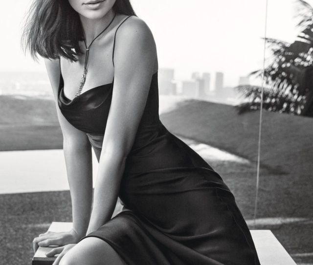 Sexiest Pictures Of Gal Gadot That Will Not Let You Sleep