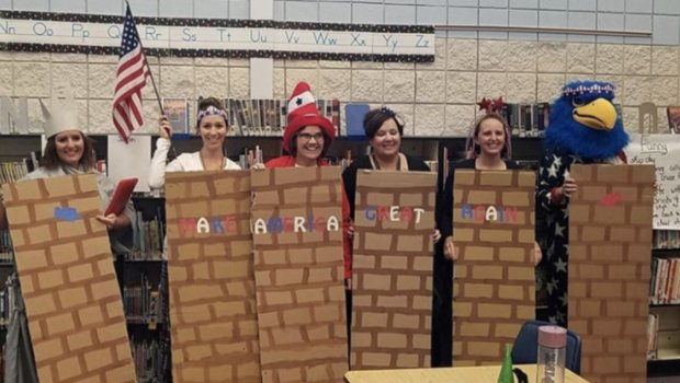 wall costume_1541190345619.jpg.jpg