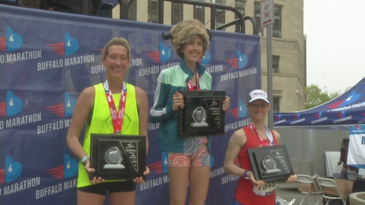 Women's second place finisher runs marathon pregnant