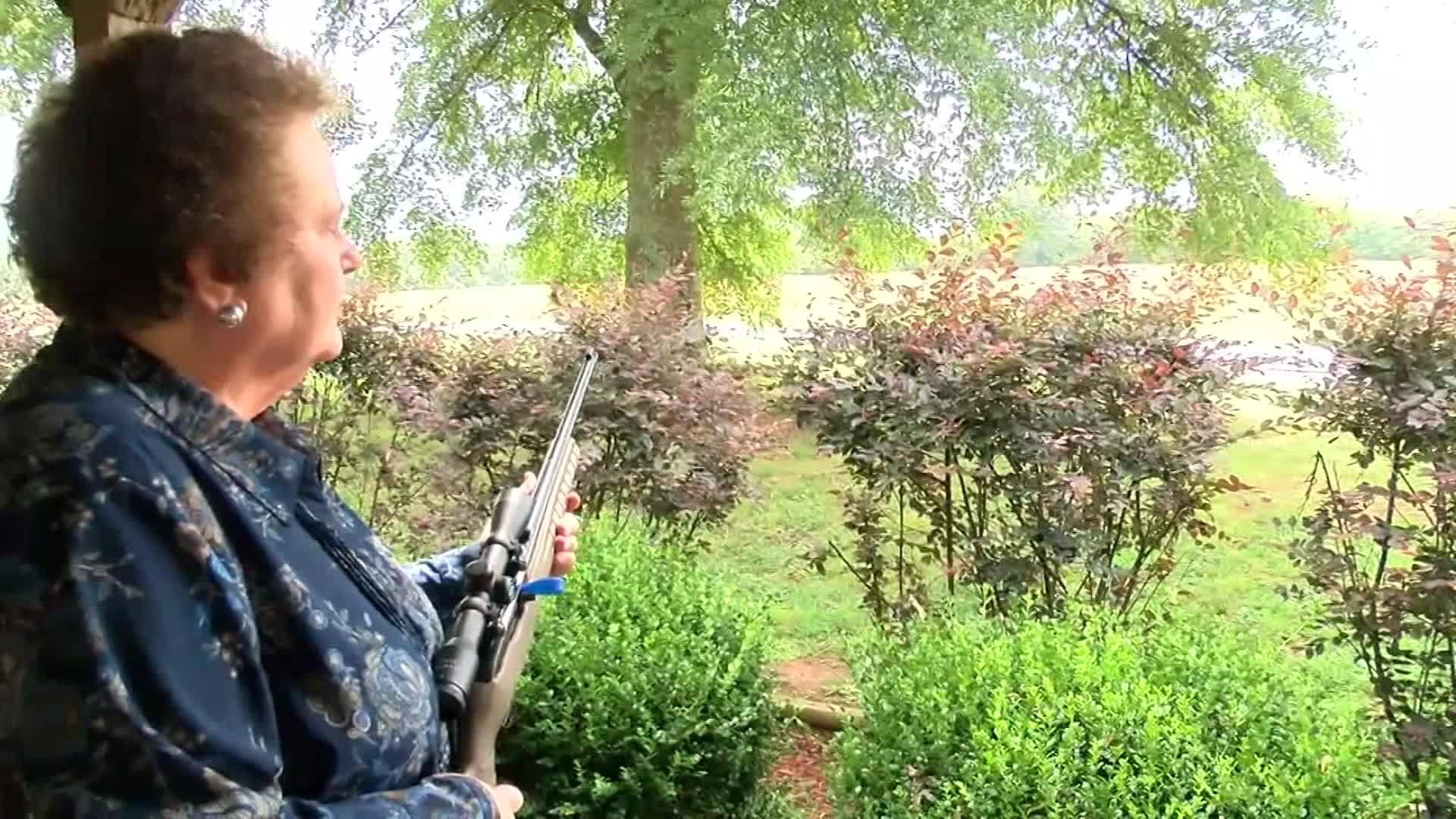 Alabama granny grabs her gun, helps take down suspect